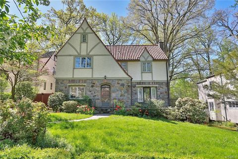 College Of New Rochelle >> Homes For Sale Real Estate Near College Of New Rochelle