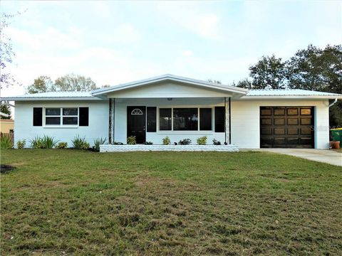 Photo of 413 8th St S, Dundee, FL 33838