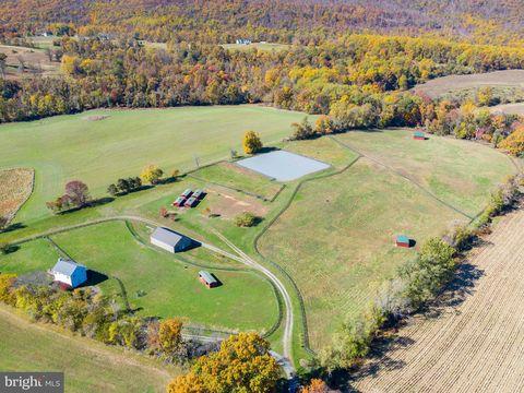 Photo of 14903 Neer Ln, Hillsboro, VA 20132