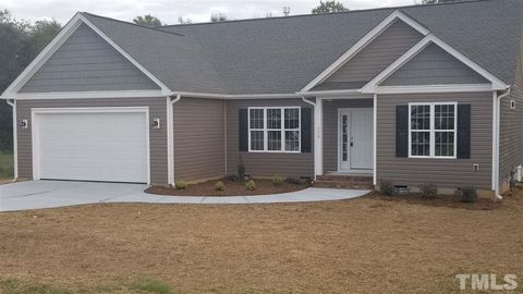 Photo of 221 Keeneland Dr, Oxford, NC 27565