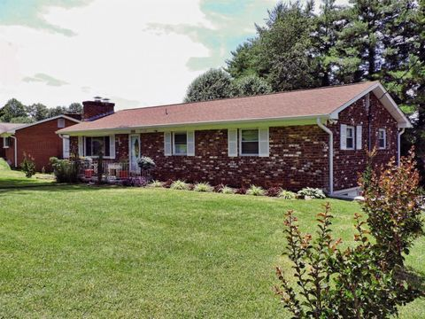 Photo of 5725 Frontier Trl, Knoxville, TN 37920