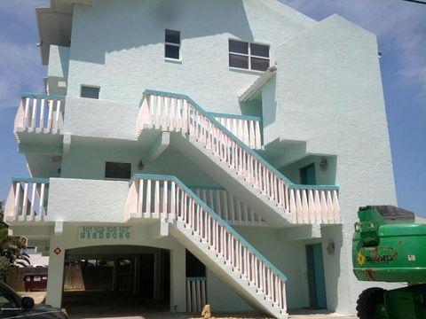 105 28th St, Cocoa Beach, FL 32931