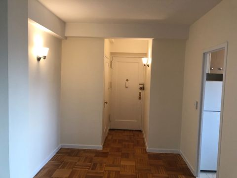 Photo of 20 Metropolitan 10 Fl Oval Unit 10, Bronx, NY 10462