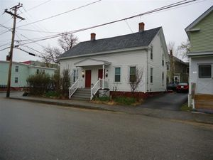 2 Maplewood Ave, Dover, NH 03820 - realtor com®