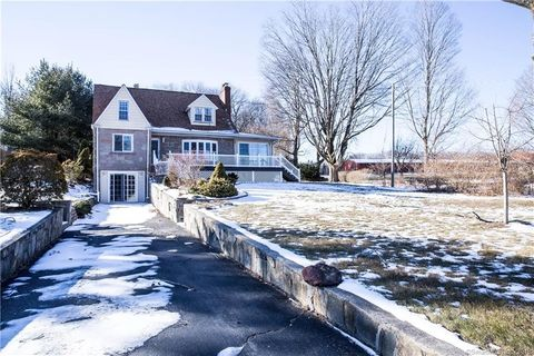 Photo of 305 Old Colchester Rd, Salem, CT 06420
