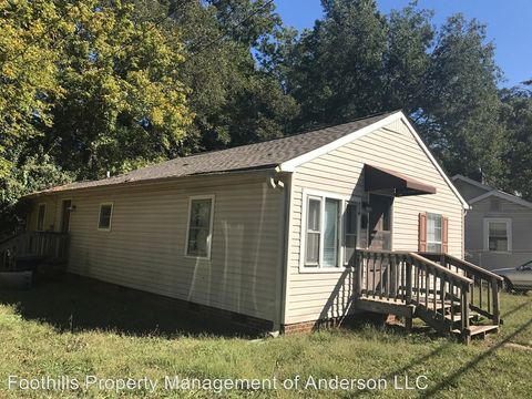 Photo of 714 W Franklin St, Anderson, SC 29624