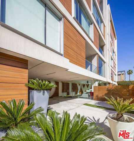 Photo of 6735 Yucca St Unit 306, Los Angeles, CA 90028