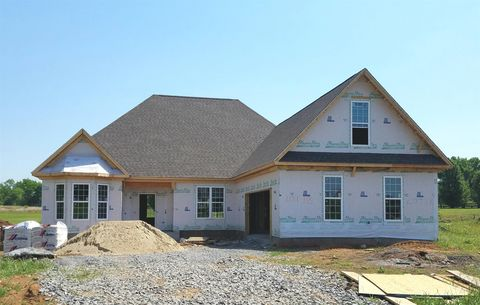 Photo of 105 Rochester Dr, Shelbyville, TN 37160