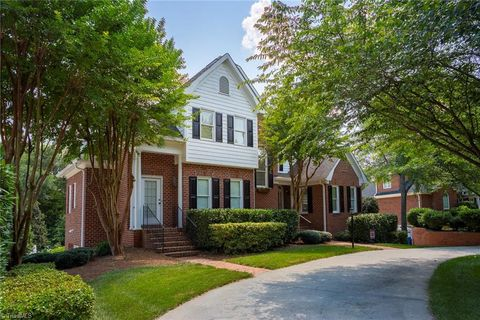 Photo of 119 Woodlands Ct, Advance, NC 27006