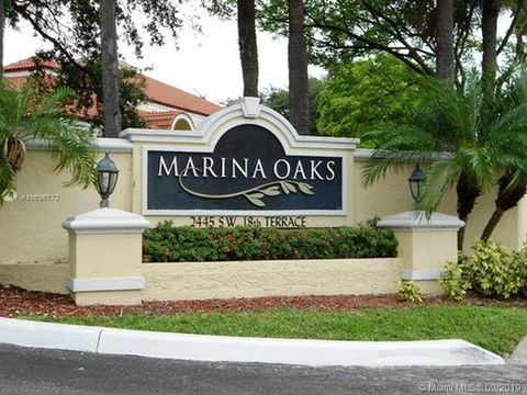 Photo of 2445 Sw 18th Ter Apt 118, Fort Lauderdale, FL 33315