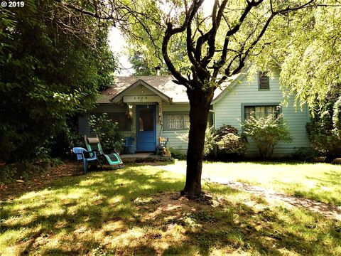 Photo of 2808 Se Malcolm St, Milwaukie, OR 97222