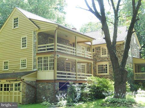 Photo of 948 Englesville Hill Rd, Boyertown, PA 19512