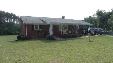 Photo of 820 E Church St, Bostic, NC 28018