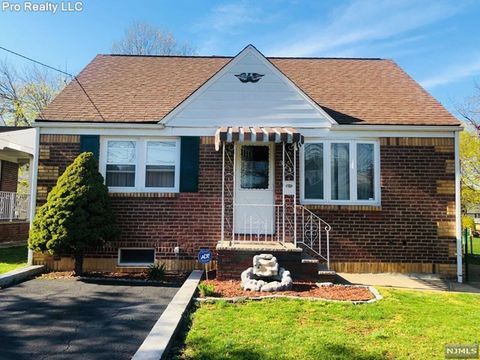 Photo of 324 Park Slope, Clifton, NJ 07011