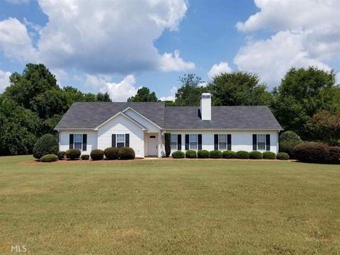 Cool Henry County Ga Real Estate Homes For Sale Realtor Com Home Remodeling Inspirations Basidirectenergyitoicom