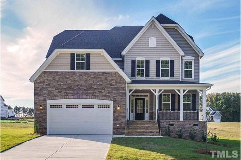 Photo of 105 Oxer Dr, Youngsville, NC 27596