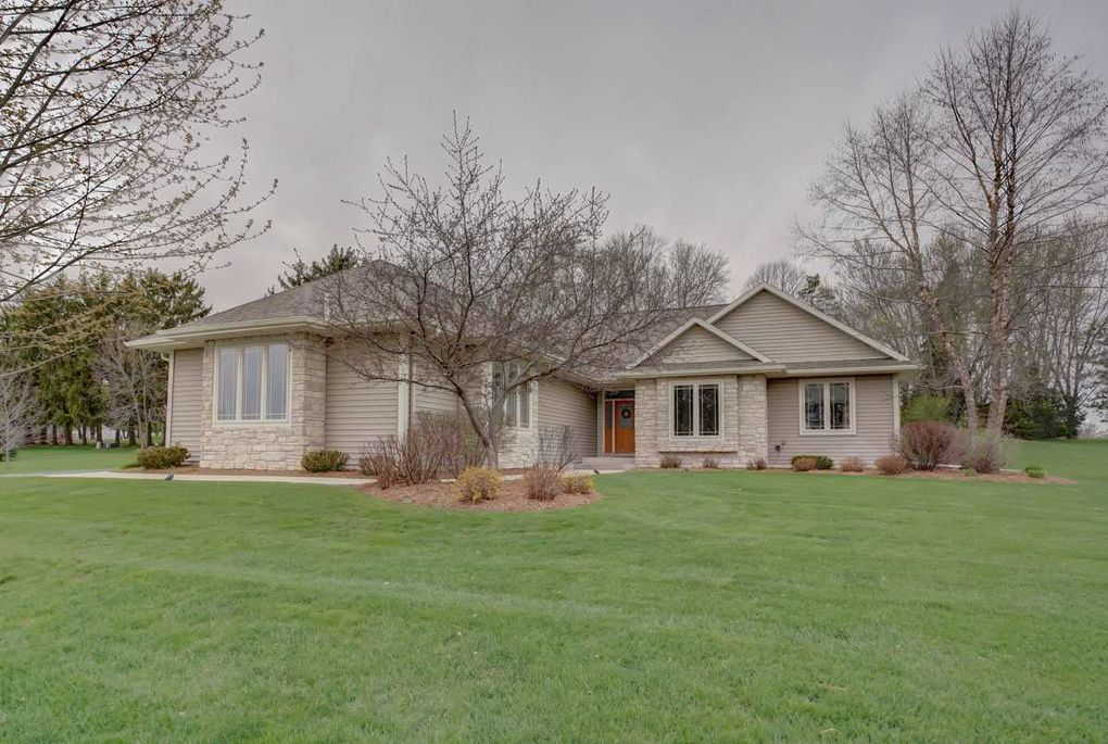 Pleasing N9555 Dreamfield Dr Watertown Wi 53094 Beutiful Home Inspiration Ommitmahrainfo
