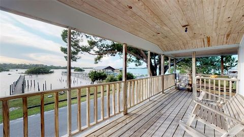 Incredible 12673 Bayshore Ave Cedar Key Fl 32625 Interior Design Ideas Ghosoteloinfo
