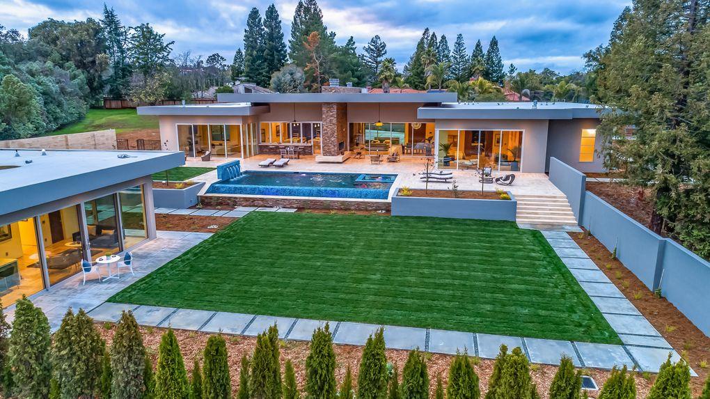 26270 Purissima Rd Los Altos Hills, CA 94022