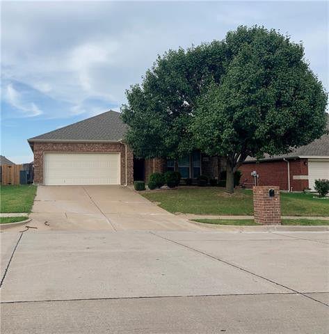 Photo of 1040 Morgan Dr, Burleson, TX 76028