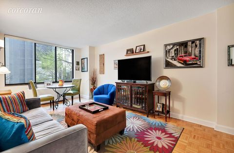 Photo of 5 E 22nd St Apt 4 S, New York, NY 10010