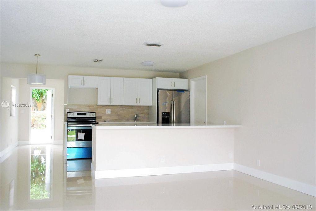 4941 Nw 16th St, Lauderhill, FL 33313
