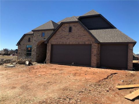 Photo of 1301 N Chestnut Pl, Weatherford, OK 73096
