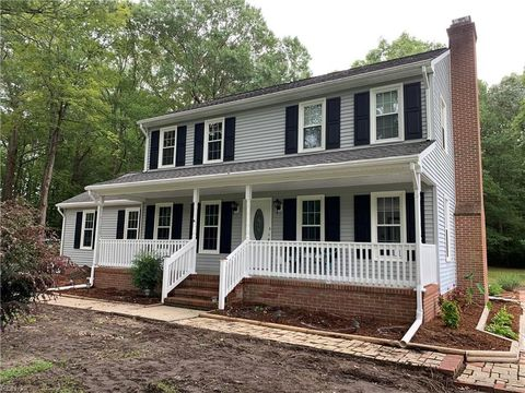 960 Taft Rd, Chesapeake, VA 23322