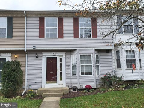 Photo of 765 Medinah Cir, Westminster, MD 21158