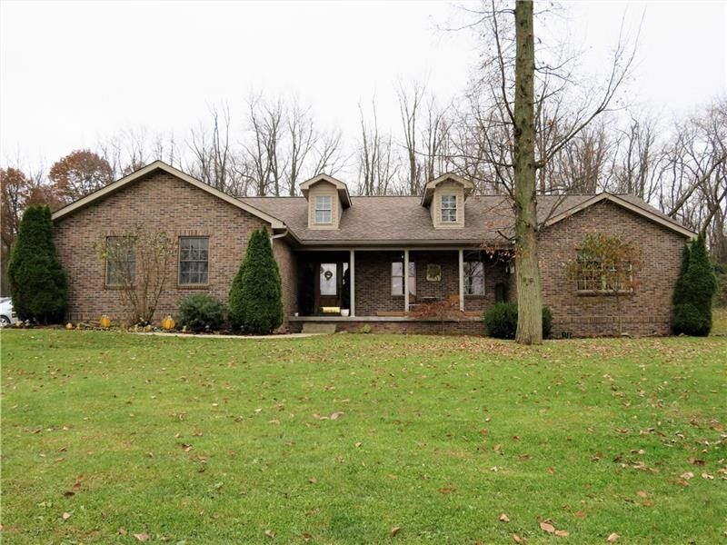 120 Woodhaven Dr, Baden, PA 15005