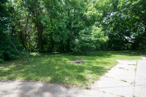 Photo of 2221 May Ave Sw, Grand Rapids, MI 49507