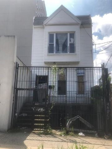 New York NY MultiFamily Homes For Sale Real Estate Realtor Interesting 3 Bedroom Apartments Nyc No Fee Ideas Property