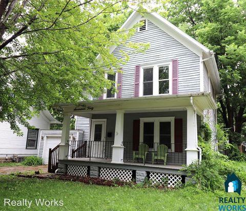 Photo of 1740 Harwood St, Lincoln, NE 68502