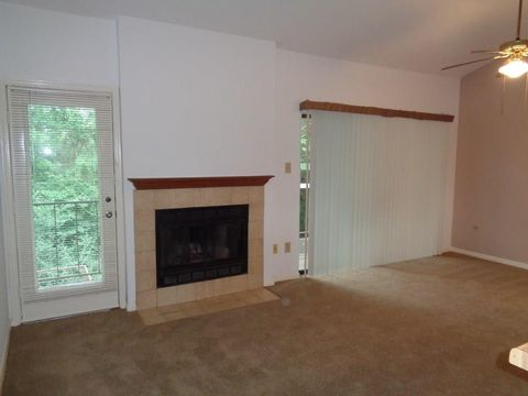 Photo of 3500 Tangle Brush Dr Apt 114, The Woodlands, TX 77381