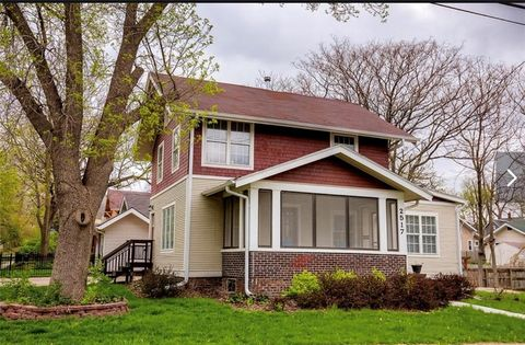 Photo of 2517 Woodland Ave, Des Moines, IA 50312