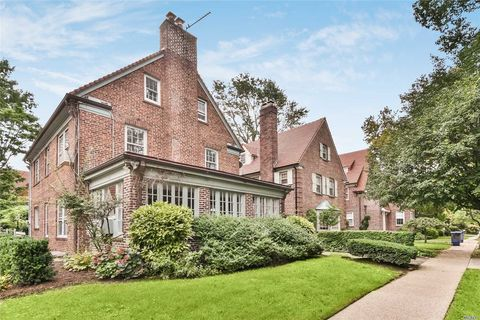 forest hills ny 5 bedroom homes for sale realtor com rh realtor com