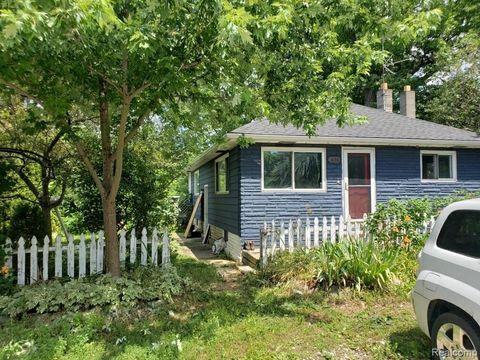 Photo of 1696 Rochester Rd, Addison Township, MI 48367