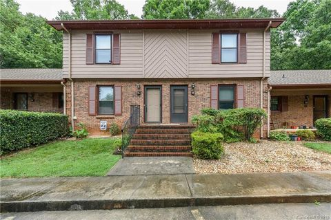 Photo of 116 Jason Ct, Fort Mill, SC 29715
