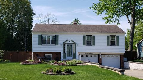 Photo of 3729 New Rd, Youngstown, OH 44515