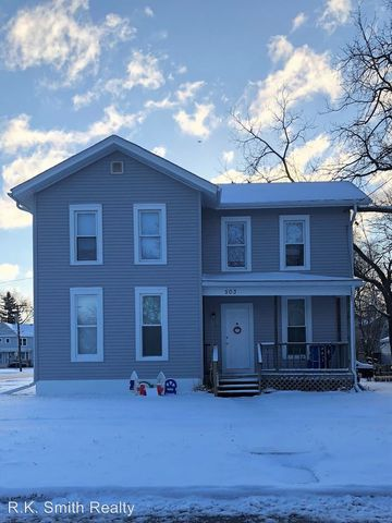 Photo of 503 S Academy St, Janesville, WI 53548