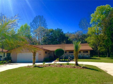 Photo of 57 Cypress Blvd W, Homosassa, FL 34446
