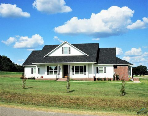 Photo of 221 County Road 1431, Jacksonville, TX 75766