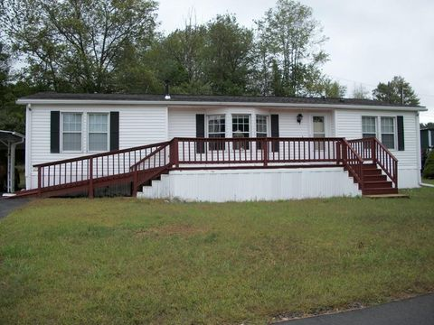 Cool 5 Mobile Homes For Sale In Or Near Worcester Worcester Ma Download Free Architecture Designs Rallybritishbridgeorg