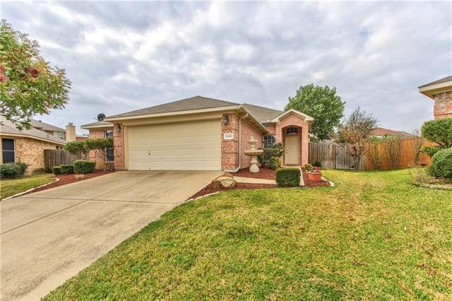 2300 Whitney Ct, Fort Worth, TX 76120