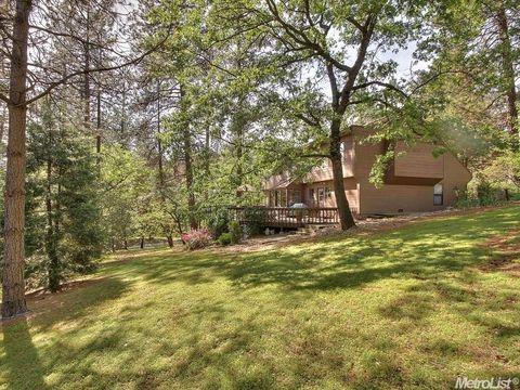 635 Country Rd, Meadow Vista, CA 95722