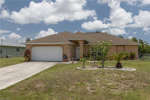 Photo of 702 Sw 21st Ln, Cape Coral, FL 33991