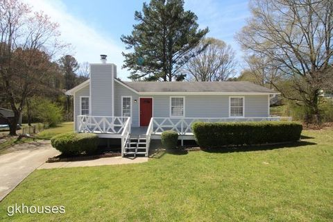 Photo of 1524 6th Pl Nw, Center Point, AL 35215