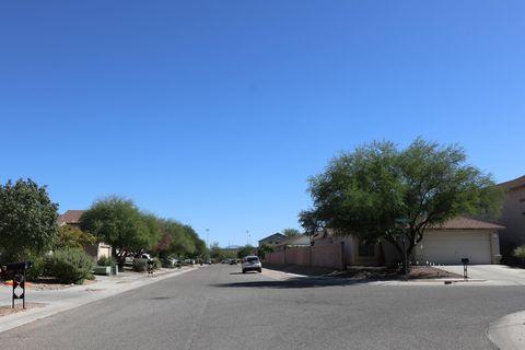 Photo of 2472 W Chris Oliver Way, Tucson, AZ 85705