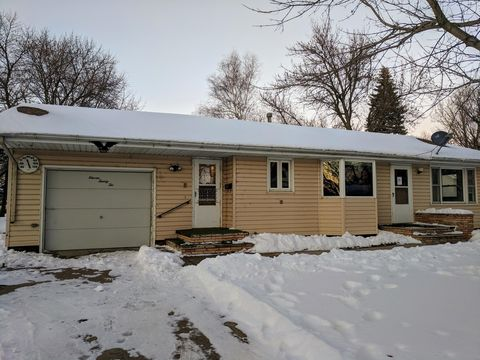 1122 7th St, Westbrook, MN 56183