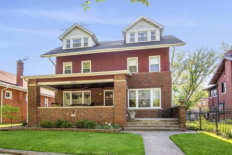 Photo of 10544 S Hoyne Ave, Chicago, IL 60643